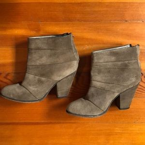 Steve Madden Shoes - Suede booties